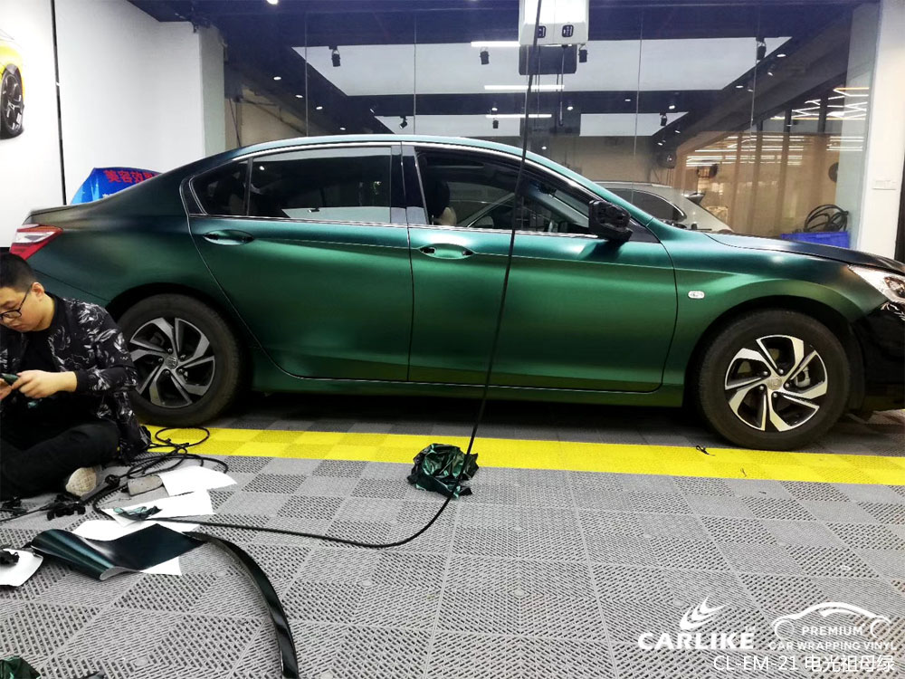 涨知识:为什么越来越多人选择汽车改色膜的各种原因