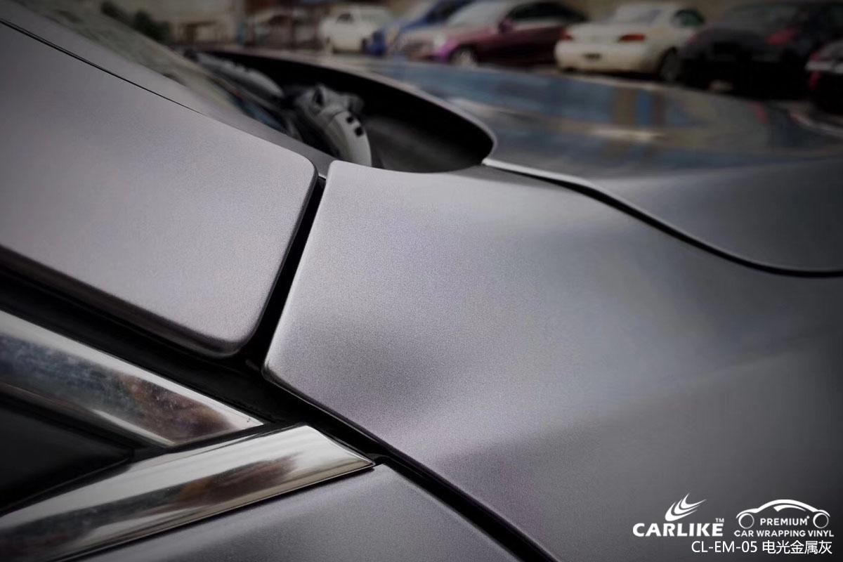 卡莱克改色膜电光金属灰贴车效果图