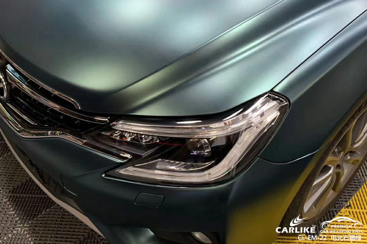 恩施丰田锐志车身贴膜电光石墨绿汽车贴膜效果图